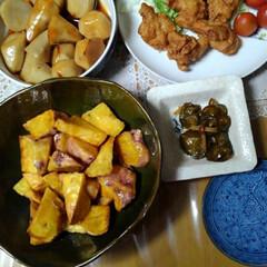 キャベツ/サツマイモ/里芋/秋の食材/フォロー大歓迎/食欲の秋 夕食に間に合いました 唐揚げ以外は畑の食…