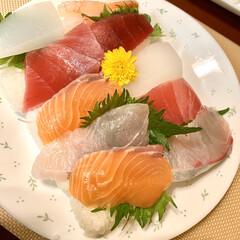 最近買った100均グッズ 今夜は、お刺身を買って、 ¥100均一の…