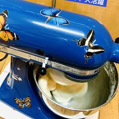 蜂蜜/クリームチーズ/仕込み/キッチンエイド/捏ね/自家製天然酵母パン/... パン捏ねてま〜す👩🍳  明日と明後日 …(2枚目)