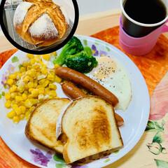 朝食/カンパーニュ/自家製天然酵母/パン作り/ナチュラル/暮らし/... good morning☕️  昨日焼い…(2枚目)