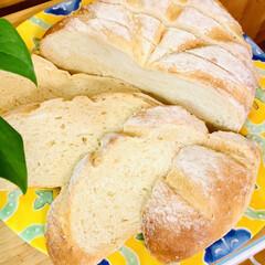 ブリエ/自家製天然酵母パン 自家製天然酵母パン💝ブリエ  カット🗡し…