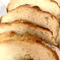 自家製天然酵母パン/ストウブ鍋/カンパーニュ/手作りパン カット🗡終わりました〜♪(๑ᴖ◡ᴖ๑)♪…(3枚目)