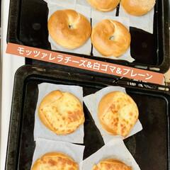インテリア/デコパージュ/花カゴ/キッチン台トレイ/セメント鉢/リメ鉢/... 自家製天然酵母パン ベーグル🥯焼けました…(5枚目)