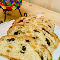 自家製天然酵母パン/カンパーニュ 綺麗いにドライフルーツが見えました〜🤣✌…