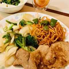 ポークジンジャー/おうちごはん/うちの定番料理 今夜は、豚🐷🐽🐖の生姜焼き コストコのナ…