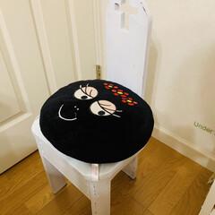 椅子/リメイク/わたしの作業部屋 普段は、座布団を使用しています😜🖐🏻💓