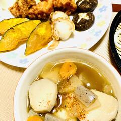 ホタテ/唐揚げ/夕食/野菜素焼き/うどん/けんちん汁 今夜は、けんちん汁とうどん 野菜の素焼き…