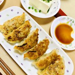 餃子/手作り餃子🥟の皮 今夜は、旦那様がこれから夜勤で早めの夕食…(4枚目)