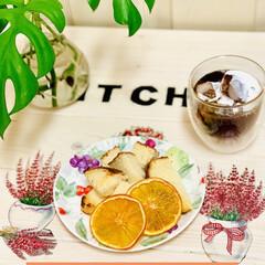 アイスコーヒー/トースト/チーズカンパーニュ/朝食/オレンジ/ドライフルーツ/... 今朝はチーズカンパーニュで トーストとド…(2枚目)