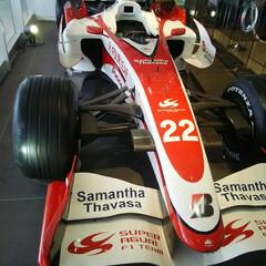 F1 鈴鹿パーキング F1の実車が展示されてい…