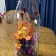秋色バージョン/空き瓶にフラワーアレンジ 空き瓶にフラワーアレンジ💕 秋色の感じで…