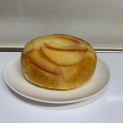 炊飯器でアップルケーキ/おやつ/スイーツ こんにちは🌟  真似っこして作っみました…