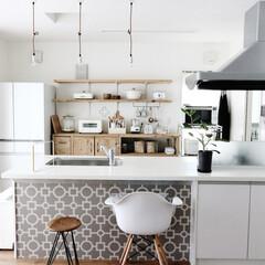 キッチン/DIY/セルフリノベーション/グレー/インテリア/清潔感/... キッチンカウンター下のリメイクシート。 …