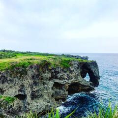 万座毛/わたしのGW 沖縄の万座毛。珊瑚の岩石が海水によって削…