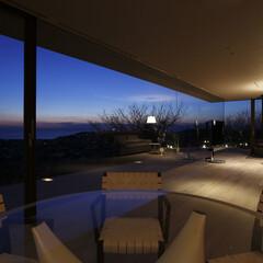 別荘建築/リゾート/週末住宅/デザイン住宅/高級邸宅/豪邸/... 七里ケ浜の海をパノラマに見渡せるリビング…