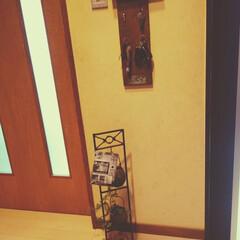 ワークショップ/手作り/玄関雑貨/インテリア/玄関あるある/簡単/... 玄関入ってすぐの場所です🚪 鍵かけは旦那…