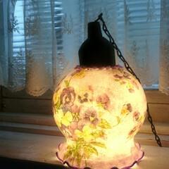 ビオラ/花柄/デコパージュ/楽しい/すずらんランプ/ランプ/... 大好きなビオラ柄で💓 これも好き~😆 シ…