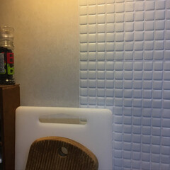 ニトリ キッチンの壁をタイルシールに貼り替えてま…(1枚目)