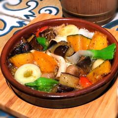 バル/野菜たっぷり/ポテサラ/ポテトサラダ/野菜/アヒージョ/... バルで、野菜のアヒージョとポテトサラダ😋