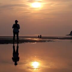 平成最後の一枚 平成最後の大潮の干潟の出現と、日の入り時…