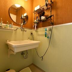 洗面/洗面スペース/洗面室/洗面所/インテリア/個性/... こちらのお家の洗面室は、ある映画のワンシ…