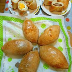 手作りパン/焼き立てパン/調理パン 家族👪みんなで、パン🍞を作りました。 焼…