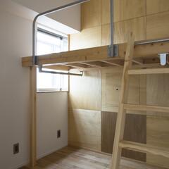 子供室/ロフトベッド/キッズルーム/可動壁 子供部屋をシンプルかつ必要最低限で計画。…