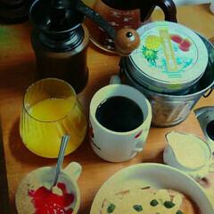 フランスパンのチーズマヨのっけトースト/ヨーグルト苺マービージャム/一杯の珈琲/春のフォト投稿キャンペーン/LIMIAごはんクラブ/フォロー大歓迎/... 朝のひとこま、コーヒー☕もいれて、爽やか…