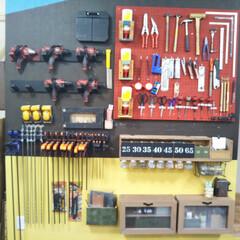 DIY/DIYスタジオ・エル/見せる収納/工具収納/機械収納/女性専用/... 当店の壁面収納です。 スタッフの手で日に…