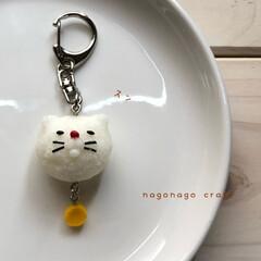 フェイクフード/キーホルダー/販売中/猫/お気に入り/DIY/... スンとした 猫ちゃんの おにぎりキーホル…