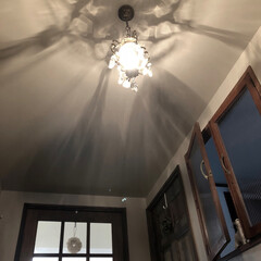 内窓/アンティーク/玄関/光と陰のコントラスト/癒しの空間/住まい/... 光と陰のコントラストがわかるようにしてみ…(1枚目)
