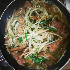 レバニラ炒め/おかず/夕飯 こんばんは🌃 今夜はレバニラ炒めがメイン✨