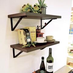 nankaiplywood/南海プライウッド/収納生活/収納/建材/内装材/... キッチンの空いている壁面を活用して飾り棚…
