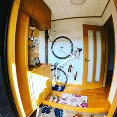 玄関収納/フォロー大歓迎/DIY/住まい/リフォーム/収納/... 狭い玄関に縦型自転車ハンガーをつくってみ…