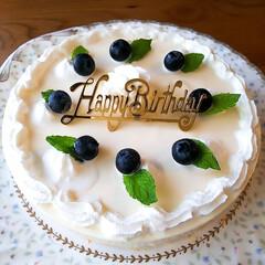 誕生日ケーキ/レアチーズ/バースデーケーキ/手作りケーキ 今日は義母のバースデー🎂 昨夜から仕込ん…