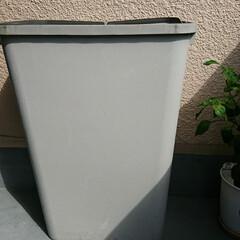 新しいゴミ箱/ベランダ/行方不明/蓋なしゴミ箱 昨日の夕方家に帰ったら ベランダに置いて…(2枚目)