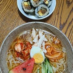 「韓国冷麺🇰🇷  今日の昼食にテイクアウト…」(1枚目)