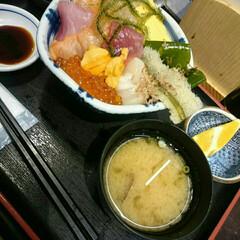 海鮮/美味しい/丼/グルメ/おでかけ 仙台 杜の市場での海鮮丼。 これで118…