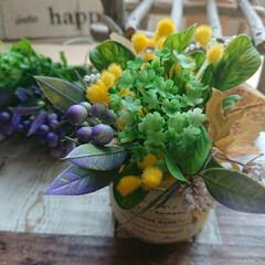 お花好きさんと繋がりたい/花のある暮らし/花のある生活/造花/インテリア/フラワーアレンジ/... ミニブーケを作りました💐 をクルっとまと…