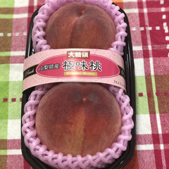 バーミキュラ/洗い物はダンナさん/ハンバーグ/カレー/山梨県産桃 🍑買っちゃった〜❣️ まりんさんの投稿見…