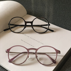 にしのあきひろの絵本/西野亮廣/絵本/えんとつ町のプペル/まるっこいメガネ/そろそろ老眼鏡 今日はダンナのメガネを👓買いに行きました…
