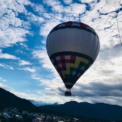 気球/おでかけ/旅行/フォロー大歓迎/LIMIAペット同好会/わんこ同好会 わんこ🆗気球❣️ 係りの人が 「上がる時…