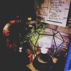 男前インテリア/カフェ風インテリア/賃貸インテリア/男前ライト/男前雑貨/令和元年フォト投稿キャンペーン/... こんばんはー😃🌛 お気に入りのライトの明…(1枚目)