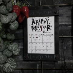 カレンダーホルダー/簡単DIY/100均リメイク/100均DIY/ダイソー/セリア/... カレンダーホルダーを作りました😆💕  ア…