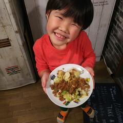 孫バカ/晩ご飯/肉味噌キャベツ/料理男子/食事情/暮らし/... 料理男子🧒  最近、料理に興味を持ち出し…