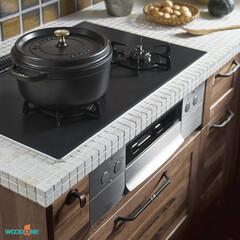 システムキッチン/キッチン/無垢の木/無垢の木のキッチン/タイル/タイル天板/... システムキッチンの天板に「タイル」を施し…
