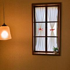 階段/窓木枠/窓/ダイソー/セリア/DIY/... 階段にあるはめ殺しの窓に 窓木枠をつくっ…(2枚目)