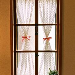 階段/窓木枠/窓/ダイソー/セリア/DIY/... 階段にあるはめ殺しの窓に 窓木枠をつくっ…(3枚目)
