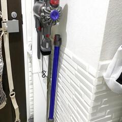 ナカムラ WALL クリーナースタンドV3 D05000015 ホワイト(掃除機部品、アクセサリー)を使ったクチコミ「ダイソン掃除機はコレに収納してます(o^…」