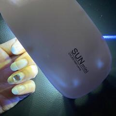 UV/LEDジェルライト SUNminiピンク(ネイルポリッシャー)を使ったクチコミ「LED/UVライト 6W SUNミニ  …」